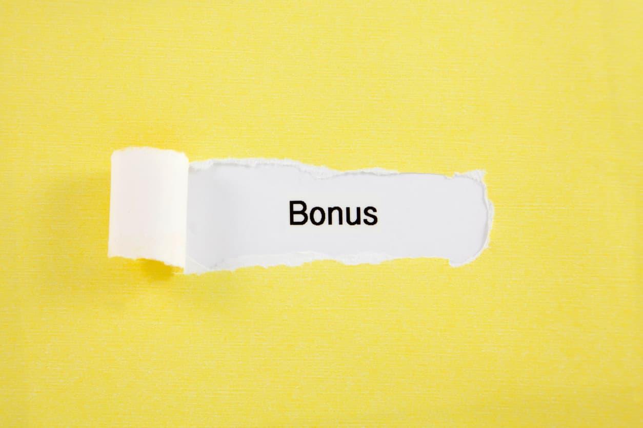 ボーナス10万円を投資に回し続けた結果。